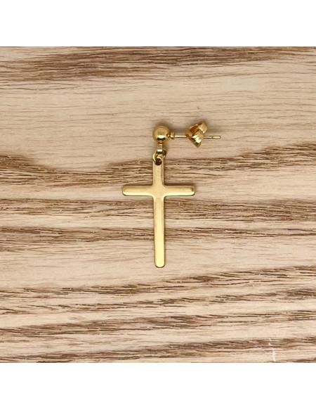 Croix pendante dorée