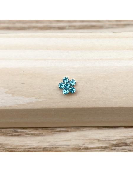 Piercing nez barbell droite brillant fleur bleue claire